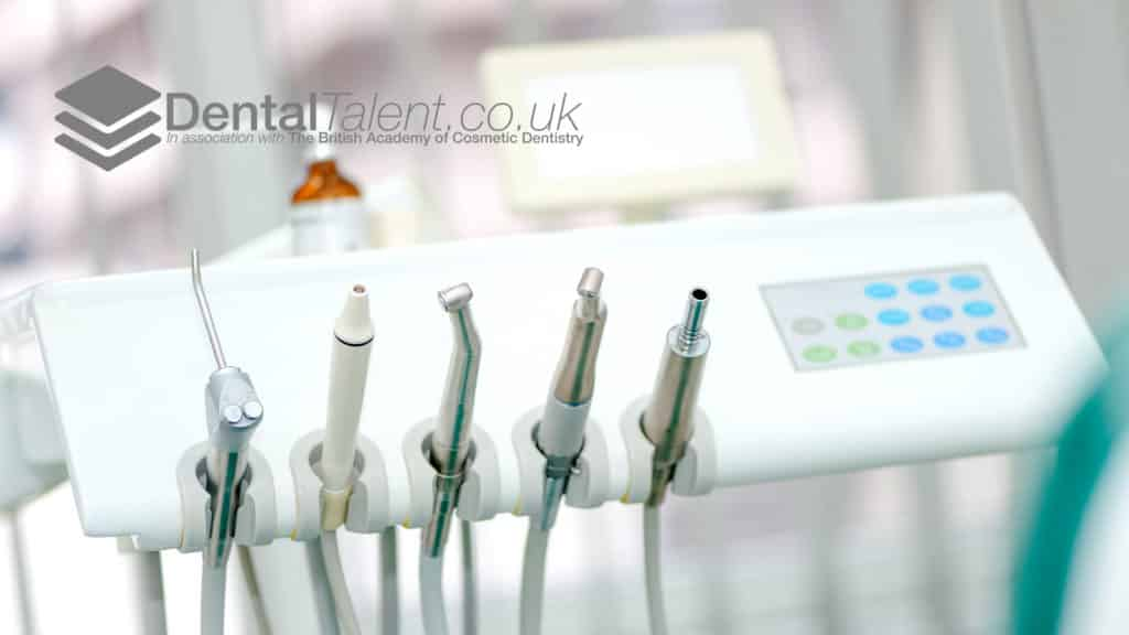 HOW MUCH DO ASSOCIATE DENTISTS EARN IN THE UK